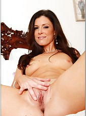 Dreamy tart India Summer enjoys possing and working with her wet snatch