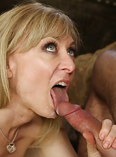 Alluring mature Nina Hartley loves banging with young nice fellows