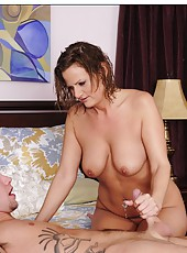 High-class flapper Becca Blossoms takes a hot shower and makes a blowjob