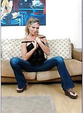 Beautiful blonde milf Ana Nova gets a sperm on the sweet lips