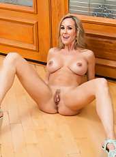 Beautiful flapper Brandi Love stripping in sexy lingerie and jilling