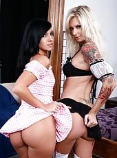 Lingerie milf model Ashli Orion and Brooke Banner sucking dick