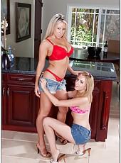 Astounding pornstars Carolyn Reese and Lexi Belle doing blowjob