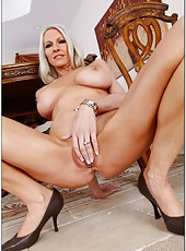 Interracial couple of sexy milf Emma Starr and her man fucking