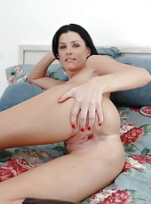 Tremendous dark haired milf India Summer riding a hard boner