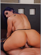 Attractive slut with strange hair Raven Black loves sucking huge peckers
