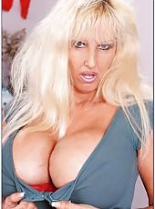 Arrogant mature with gigantic boobs Tia Gunn swallowing a yummy rod
