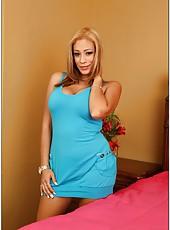 Winning blondee with naughty dreams Jamie Valentine banging in bedroom