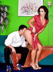Zealous milf Druuna demonstrates amazing butt and gets a big cock in it
