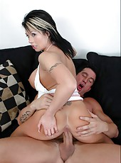 Sensate milf Brooke Haven reaching orgams by making to her friend a blowjob