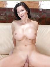 Charming milf Cynthia Pendragon shows amazing boobies and tastes a cock