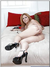 Raunchy flapper Cherrie Rose spreading ass on bed and doing naughty things