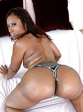 Delectable milf Cherokee Dass shows big ass and gets ready to be pounded