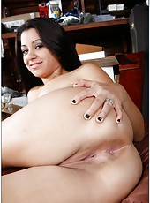 Petite slut Paris Marie likes seducing pretty guys and swallowing cocks
