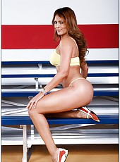 Unforgettable latina Monique Fuentes adores playing with big yummy wieners