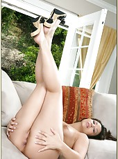 Erotic babe Sophie Del Mar jilling sissy and doing miracles with her friend