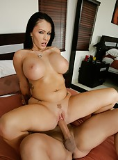 Wonderful slut Jenna Presley masturbating on the floor and tasting a big rod