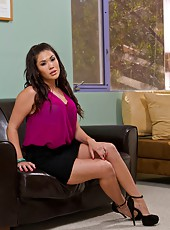 Perfect Asian cunt London Keyes undressing and banging with her boyfriend