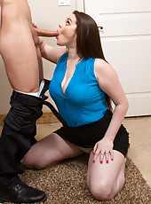 Skillful Tessa Lane prefers to work with young wieners and gets a cumshot