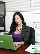 Cheeky milf Kendra Lust reaching sexual peak during her work hours