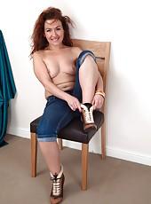 Remarkable mature whore Elizabeth taking off her jeans for masturbation