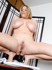 Busty blonde MILF with big tits Maggie Green showing her ravishing looks