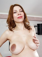 Exceptional pregnant MILF Iviola showing spreading her legs very wide