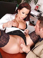 MILF Cindy Dollar is showing off her awesome blowjob skills for that big pole