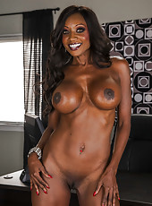 Assy ebony Diamond Jackson shows her big natural boobies in close-up