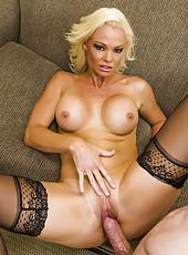 Dick-sucking glamorous blonde Rhylee Richards is banging like a milf