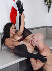 Spicy Asian Jessica Bangkok fuck in hardcore scene with her lovely boss