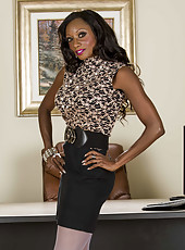 Busty ebony MILF Diamond Jackson showing her chocolate boobs and ass