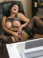 Astounding babe Teri Weigel masturbating her twat and sucking cock