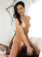 Ebony Milf Diamond Jackson pleasing her white MILF India Summer