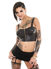 Horny and ravishing MILF Bonnie Rotten with her sweet tattoos showing off
