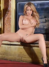 Perfect MILF Capri Cavanni showing her amazing and astonishing body