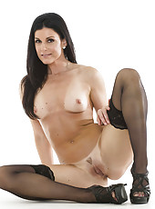Alluring brunette MILF India Summer showing her astonishing good looks