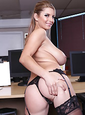 Unforgettable MILF Katerina has everything you need for a good fuck
