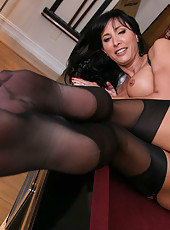 Spicy MILF Lezley Zen doing a spectacular blowjob and riding a cock