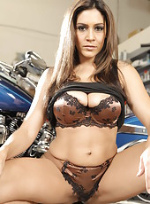 Busty babe Raylene seduces everyone with her big boobs and gorgeous ass