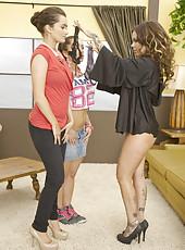Wild lesbian sluts Julia Bond and Liza Del Sierra show a hardcore fucking