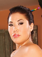 Beautiful Asian milf London Keyes rubs big boobs and shows her gorgeous ass