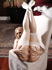 Blonde milf Sarah Vandella takes off her clothes and shows her wet secrets