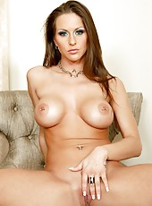 Wonderful babe Rachel RoXXX surprises with perfect body and pierced nipples