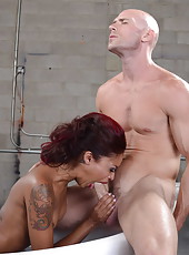 Skillful Skin Diamond prefers working with white dicks and shaved balls