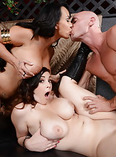 Two sexy babes Holly Halston and Noelle Easton enjoying an awesome threesome