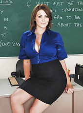 Professor Charlie James is beginning her career. On her first day, her first student walks in and it it∙s her old fuck-buddy. Professor James had been so busy with preparing; she left him hanging. They never took their relationshi