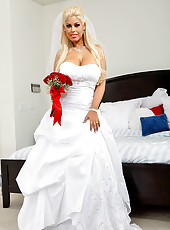 Bridgette B. is super upset that her husband passed out drunk on their wedding day. Preston decides to console her,but all Bridgette wants on her wedding day is to fuck. Since her husband is not prepared to perform his newly wed duties, Bridgette decides