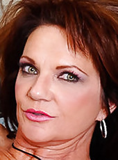 Deauxma just bought a new house and can't get the TV to work that came with it. She calls for some assistance and Pete shows her how it works. Since the fix took less than five minutes, he was just going to give her a service charge and be on his way
