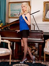 Naughty Ashleigh Mckenzie poses in her ultra hot lingerie